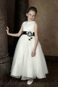 Satin Common Flower Trimed Modest Customzied Flowergirl Dresses