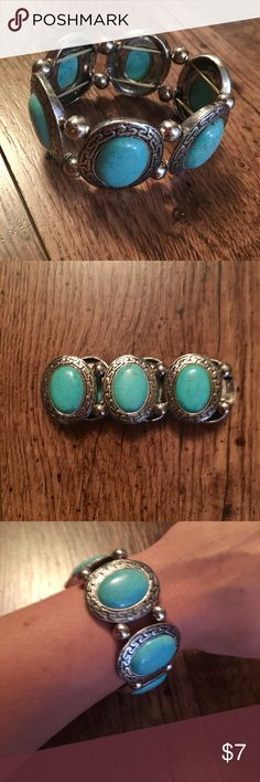Turquoise Fashion Bracelet Beautiful turquoise and silver fashion bracelet. Stretch fit. Perfect to be dressed up or down! Jewelry Bracelets