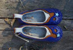 Personalized wool felted slippers. Shoes felt flat от DarkaYarka