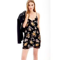 Floral V-neck Lace trim Dress. Black Floral V-neck Lace Trim Slip Dress. Dresses Mini