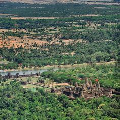 Ever wondered how #ankorwat looks like from the sky? #travel #Cambodia #siemreap #southeastasia #realtravel