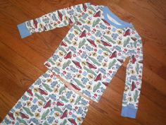 BOYS 5 CHILDRENS PLACE 2pc PAJAMAS sleepwear PJs CARS road STOP signs ANY SEASON #TheChildrensPlace #PajamaSets