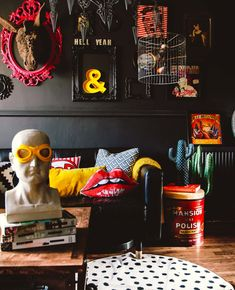 Your Gathered Home: A Rock & Roll Glam Flat in the UK Black walls provide a striking background for the playful and colorful accessories in this gathered home in the UK decor inspooooo (Visited 3 times, 1 visits today)