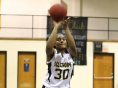 Women's Basketball Hangs on Late for Hard-Fought 63-61 Victory - Oglethorpe