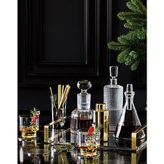 Store and serve spirits like a pro with this dashing decanter embossed with a multifaceted texture that reflects light—and a dash of retro glamour. Must-have for any bar cart. Vase Deco, Gold Coasters, Farmhouse Side Table, Home Upgrades, Deco Table, Farmhouse Design, Small Apartments, Cheap Home Decor, Interior Design Living Room
