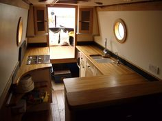 jigsaw the opposing side? Barge Interior, Best Interior, Kitchen Interior, Interior Ideas, Narrowboat Kitchen, Narrowboat Interiors, Barge Boat, Canal Barge, Canal Boat Interior