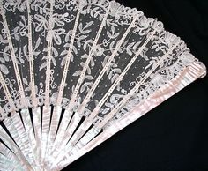 19th c., Brussels lace with mother of pearl