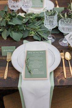 15 gorgeous Pantone wedding ideas that will bring all the greenery. Gold and green wedding table setting decor. 15 gorgeous Pantone wedding ideas that will bring all the greenery. Gold and green wedding table setting decor. Wedding Reception Invitations, Wedding Menu, Gold Wedding, Wedding Rustic, Wedding Bride, Wedding Planning, Wedding Groom Attire, Wedding Tips, Wedding Stationery