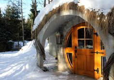 Canada Hotels - Amazing Deals on Hotels in Canada Hobbit Hole, The Hobbit, Habitat Troglodytique, Canada, Cabin, Architecture, House Styles, Building, Household
