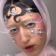 Indie Makeup, Edgy Makeup, Eye Makeup Art, Kiss Makeup, Makeup Inspo, Makeup Inspiration, Beauty Makeup, Cool Makeup Looks, Cute Makeup