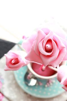 Rose Cake Pops- would love to get these once in a while instead of real flowers lol
