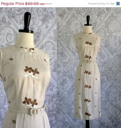 1950s 60s Embroidered Linen Fitted Cocktail Dress $72.00