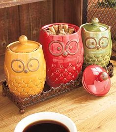 The Owl Countertop Collection is a colorful addition to your kitchen. Store staple ingredients in the 4-Pc. Canisters and Tray Set. Each owl has a lid, and the
