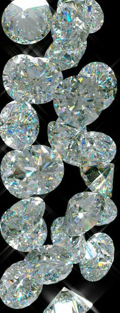 Loose Diamonds ~ I may never own one, but have to love the sparkle :) Platinum Earrings, Gems And Minerals, Stones And Crystals, Gem Stones, Diamond Are A Girls Best Friend, Beautiful Earrings, Diamond Shapes, Loose Gemstones, Gold Money