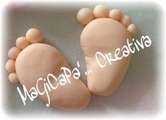 creazioni artigianali. piedini in Fimo da utilizzare come calamita o come portachiavi. bomboniere nascita/battesimo