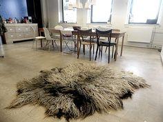 vilted sheep hair, without skin by ZachtAardig #vachtvilt #vachtvilten #Purewol