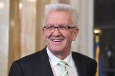 Das Gezerre um die Nachfolge von Bundespräsident Joachim Gauck nimmt kein Ende. Baden-Württembergs Ministerpräsident Kretschmann lässt nun mit zweideutigen Äußerungen aufhorchen. Joachim Gauck, Spiegel Online, Politics