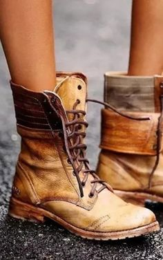 2020 Hot Trendy Boots. Free Shipping Over $79.Shop Now! Bootie Boots, Ankle Boots, Boho Boots, Mode Vintage, Mode Outfits, Mode Style, Passion For Fashion, Me Too Shoes, What To Wear