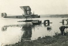"""The Zeppelin-Staaken L - an unsuccessful floatplane variant of the type R.VI Riesenflugzeug (""""giant aircraft"""") bomber, 1918"""