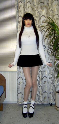 https://flic.kr/s/aHskQXx5VF | White slim turtleneck and black mini skirt | Ready going out