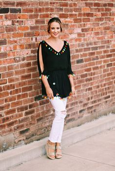 Pom Pom Party - Lex What Wear #pompomtop #tassels #pompomtrend #prefallstyle #fashionblogger #styleblogger #nashvillefashion #nashvillestyle #distresseddenim #coldshoulder