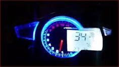 Cruscotto per auto e moto 11000 rpm per motori 2 e 4 cilindri al prezzo di 299,00 € Euro.  Cruscotto digitale da competizione per auto e moto.