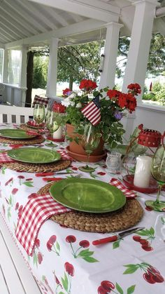 Home Decoration Decor Summer Love round 1 is on! - The Enchanted Home.Home Decoration Decor Summer Love round 1 is on! - The Enchanted Home Table Halloween, Outdoor Dining, Outdoor Decor, Beautiful Table Settings, Round Table Settings, Table Place Settings, Enchanted Home, Boho Home, Vacation Pictures