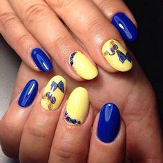 Бабочки на ногтях, Двухцветный дизайн ногтей, Двухцветный летний маникюр, Желто-синий маникюр, Идеи двухцветного маникюра, Идеи летнего маникюра, Красивый летний маникюр, Летний маникюр 2016