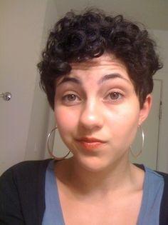 So cute. Love this cut! curly pixie cut #curlyhair