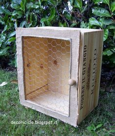 decoriciclo: Mini-armadietto da una cassetta di legno del vino