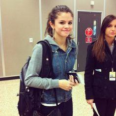 Selena Gomez - Jean Jacket Airport Style