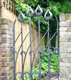 High quality contemporary iron metal work - gates, railings,balustrades, hand rails all designed and forged by James Price blacksmiths ltd Metal Garden Gates, Metal Gates, Wrought Iron Gates, Metal Garden Art, Garden Fencing, Herb Garden Planter, Gates And Railings, Iron Gate Design, Garden Entrance