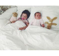 Blog da Carlota   Carlota & Carminho sisters love newborn photo