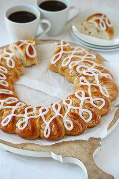 Pavlova, Doughnut, Sausage, Baking, Sweet, Desserts, Recipes, Food, Brioche