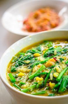 Bubur Manado , rich of taste porridge , full nutrition to have at breakfast , good choice while a rainy day :). Yummy Vegetable Recipes, Healthy Recipes, Indonesian Cuisine, Singapore Food, Asian Recipes, Ethnic Recipes, Best Food Ever, International Recipes, Food Preparation