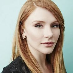Bryce Dallas Howard, Beautiful Redhead, Beautiful People, Red Hair Pale Skin, Jurassic World Claire, Lady Gaga Costume, American Actress, Redheads, Love Her