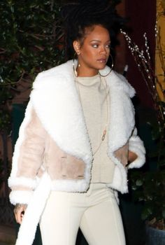Rihanna in cream& White shearling Rihanna Outfits, Rihanna Dress, Rihanna Mode, Rihanna Style, Rihanna Fashion, Rihanna Fenty, Fashion Killa, Look Fashion, Fashion Outfits