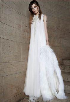 Y cuando Vera Wang dejó de ser la Vera que conocíamos: minimalismo en su nueva colección (PV 2015) #weddingdresses #vestidodenovia #NYBW