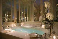 47 Comfy And Glamorous Bathroom Decor Ideas - Design Bathroom Luxury, Romantic Bathrooms, Dream Bathrooms, Beautiful Bathrooms, Glamorous Bathroom, Serene Bathroom, Modern Bathroom, Romantic Bathtubs, Mansion Bathrooms