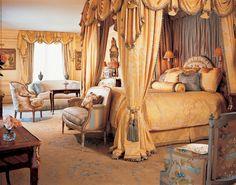 William R Eubanks Interior Design, Inc. - traditional - Bedroom - New York - William R. Eubanks Interior Design, Inc. Elegant Home Decor, Elegant Homes, Classical Interior Design, Royal Bedroom, Master Bedroom, Blue Bedroom, Style Deco, Dream Furniture, Luxury Furniture