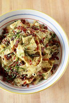 Pappardelle with Black Olive Tapenade, Sundried Tomatoes & Crispy Prosciutto - I would make love to this pasta dish, if it wouldn't be so awkward. Pasta Recipes, Gourmet Recipes, Dinner Recipes, Cooking Recipes, Healthy Recipes, Entree Recipes, Delicious Recipes, Tasty, Pappardelle Recipe