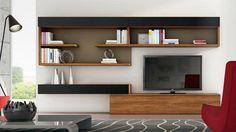 meuble tv mural en étagères de rangement ouvertes et armoire basse