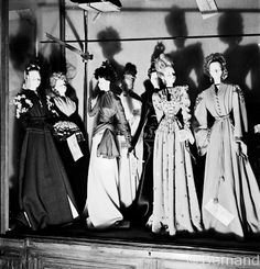 The Theatre de la Mode, was an important movement that unvolved 27 inch mannequins dressed in the lastest fasion. This exhibit travelled to Europe and the United States as a way for Paris to show they were prepared to be the head of fashion, once again. Fashion Mannequin, Fashion Dolls, Jacques Fath, Jeanne Lanvin, Couture Fashion, Paris Fashion, Dior, Marcel Rochas, Mini Toile