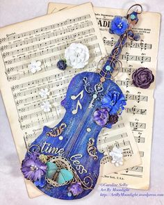 A mixed media violin using Prima paints, sprays and waxes. Violin Instrument, Violin Art, Cello, Violin Music, Music Artwork, Art Music, Musica Celestial, Flautas, Magical Jewelry