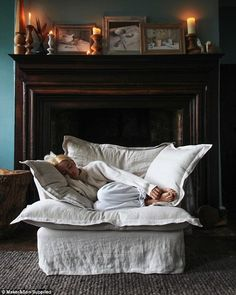 World's comfiest couch Maker&Son launches in Australia Home Living Room, Living Room Decor, Living Spaces, Bedroom Decor, Bedroom Couch, Estilo Interior, New Room, Interior Design, House Styles
