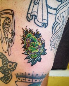 Sexy weed tattoos and cool marijuana related ink. Thinking of getting a cool 420 tattoo, then checkout our collection of top 420 tatts. Dope Tattoos, Body Art Tattoos, New Tattoos, Tattoo Drawings, Small Tattoos, Weed Tattoo, I Tattoo, Smoke Tattoo, Floral Tattoos