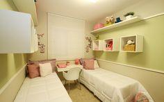 68,07 m² - Quarto das meninas Bedroom Bed Design, Room Decor Bedroom, Girls Bedroom, Old Room, Shared Bedrooms, Kid Beds, Girl Room, Living Room Designs, Roommates