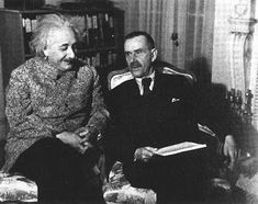 Thomas Mann with Albert Einstein, Princeton 1938 - Thomas Mann - Wikipedia, la enciclopedia libre Carl Jung, Martin Luther, Grimm, Meeting Of The Minds, Nobel Prize In Literature, Photographs Of People, Important People, Daguerreotype, Best Model