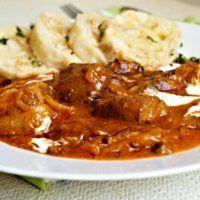Recept : Segedínský guláš   ReceptyOnLine.cz - kuchařka, recepty a inspirace Thai Red Curry, Ethnic Recipes, Red Peppers
