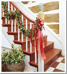 Honey We're Home - lots of Christmas staircase decor ideas!